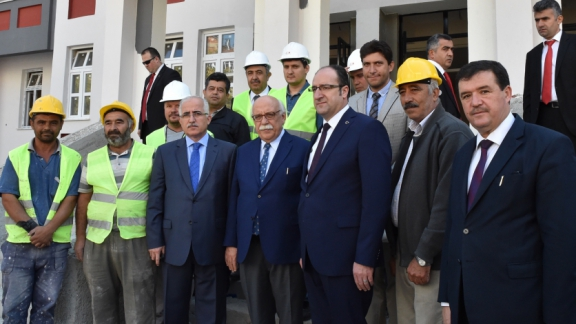 Minister Avcı visits the construction site of Süleyman Çakır Anatolia High School